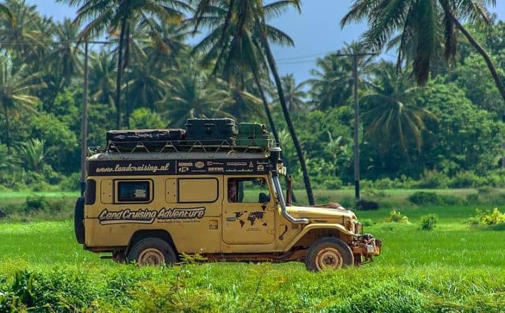 Overland trip in Guyana; driving in the tropics