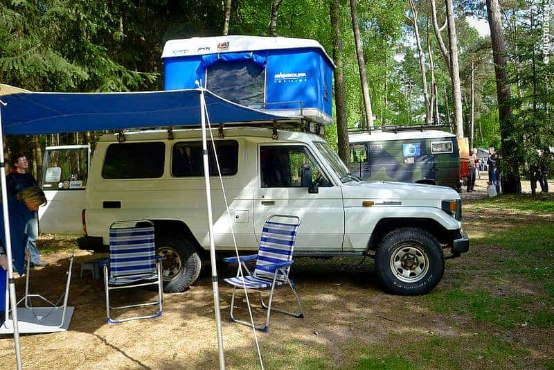 Magnolia hard-shell rooftop tent ... : hannibal roof tent uk - memphite.com