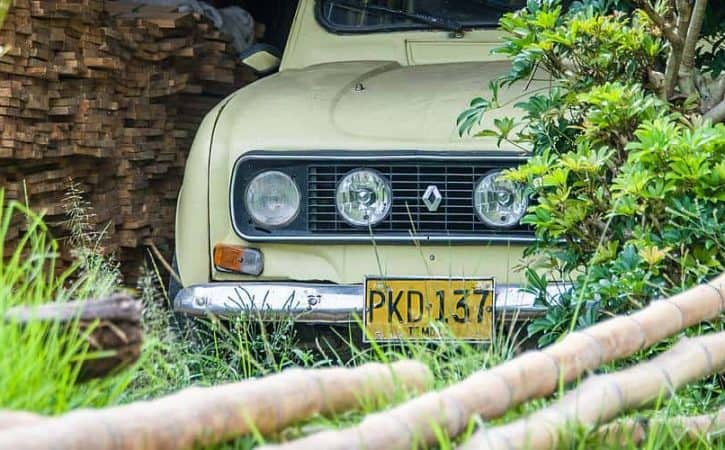 Renault 4s in Colombia