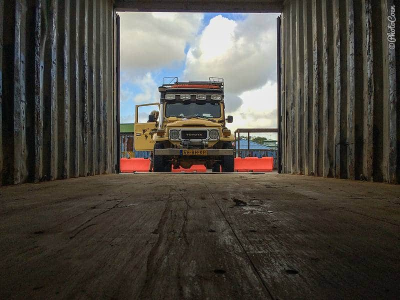 How to Ship a Car – Types of Containers and Roro to South