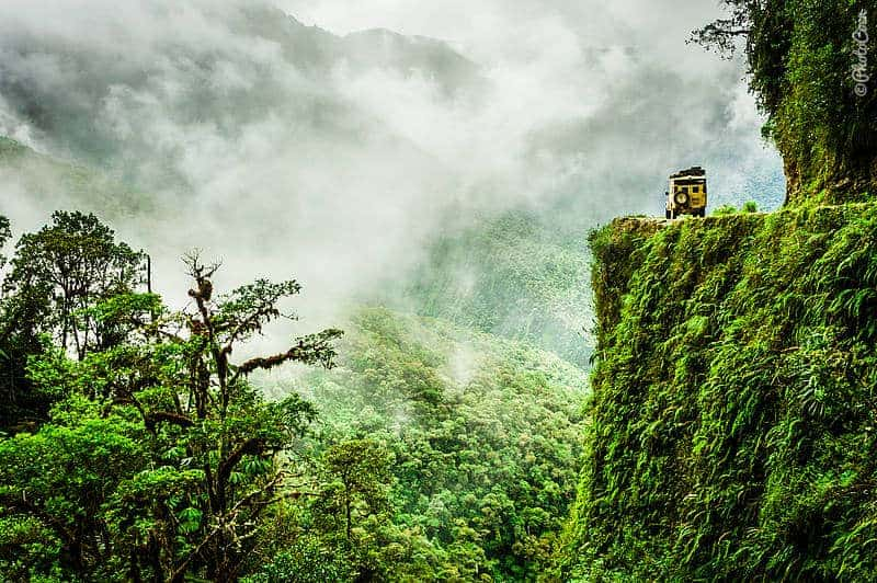 Driving the Death Road in Bolivia (©photocoen)