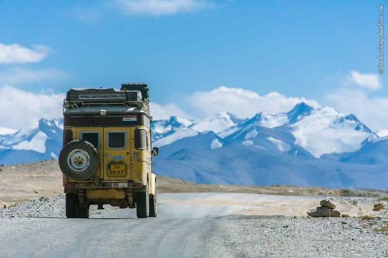 Land Cruiser on the Pamir Highway, Tajikistan (©Coen Wubbels)