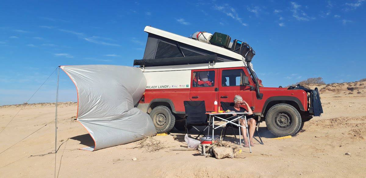 Leveling your vehicle in sand